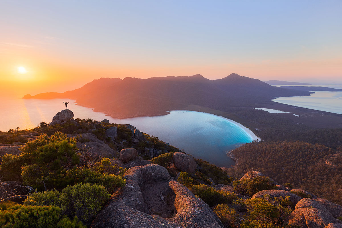 129786_Sunrise-at-Wineglass-Bay_web